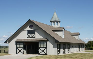 14 Stall Yearling Barn